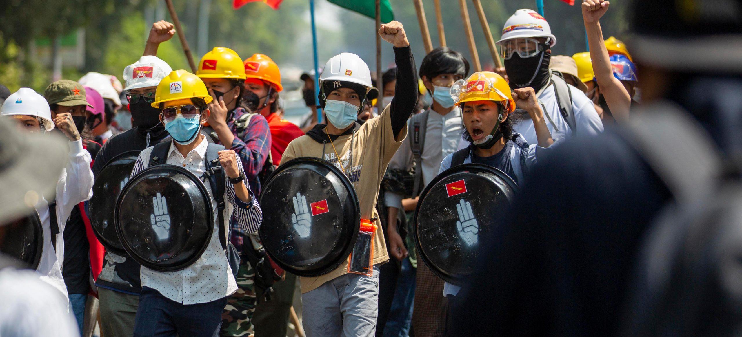 اعتراض مردم سالاری  Duda.news
